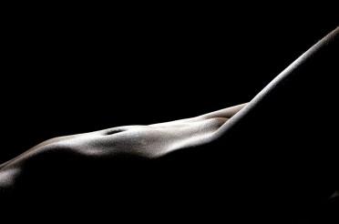 Should I Sleep Naked? Discover 7 Benefits Of Sleeping Naked